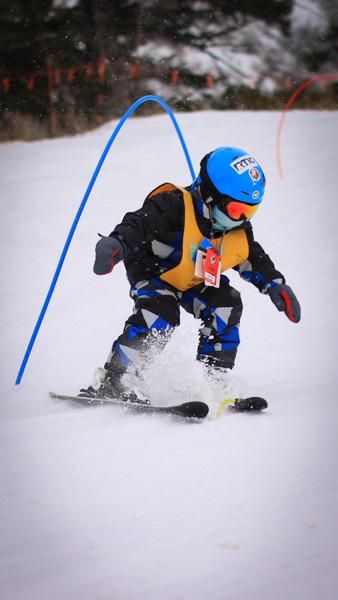 Kid ski racer